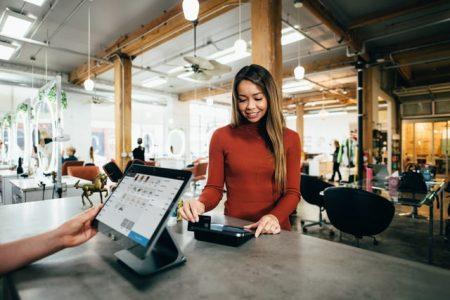 Trabajar en tienda de electrónica